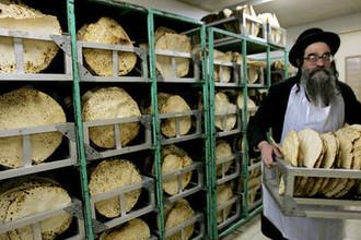 Производство мацы в Иерусалиме, 2006-й год
