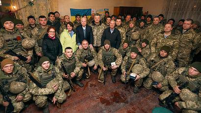 Петр Порошенко с Джоном Маккейном рассказали о «временной оккупации» Донбасса