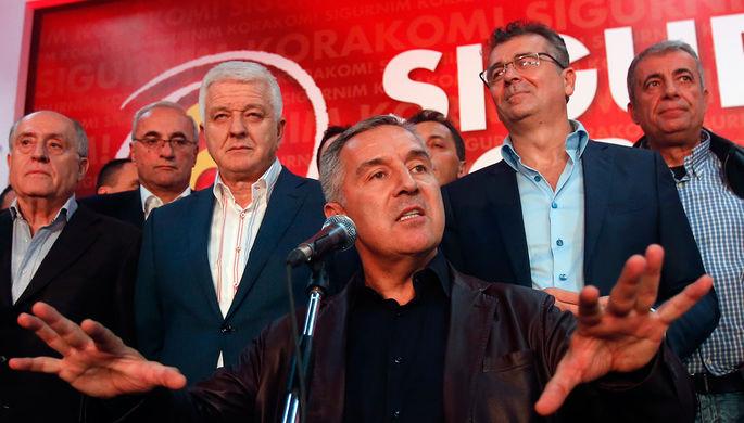 Бывший премьер-министр, лидер Демократической партии социалистов Черногории Мило Джуканович (в...