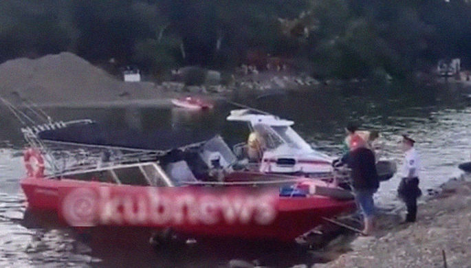 Голубая бухта смерти: в Черном море перевернулся катер
