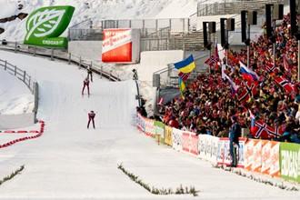 На трибунах лыжно-биатлонного стадиона в Холменколлене всегда аншлаг