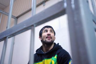 Расул Мизраев, обвиняемый в непредумышленном убийстве студента