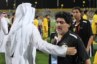 Диего Марадона еще в качестве наставника «Аль-Васла»