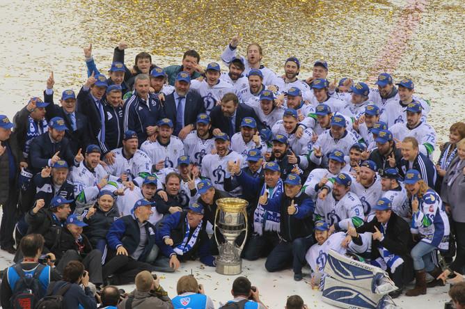 Динамовцы завоевывают Кубок Гагарина второй год подряд