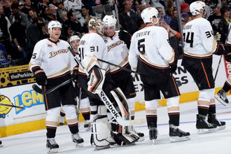 «Анахайм Дакс» стал сильнейшим клубом Западной конференции НХЛ