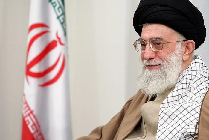 Али Хамении, Иран, 25 лет. В исламской республике есть и парламент, и президент, но высшей властью...