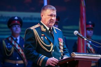 Генерал-лейтенант Валерий Асапов во время празднования 75-летия 5-й Краснознаменной армии в Приморском крае, октябрь 2016 года