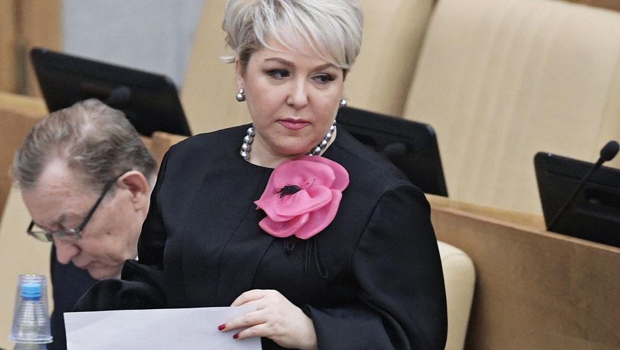 Первый зампред комитета Госдумы по бюджету и налогам Ирина Гусева на пленарном заседании, январь 2018 года