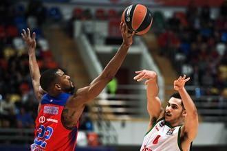 Баскетбольный ЦСКА одержал вторую победу подряд над испанской «Басконией» в четвертьфинале Евролиги