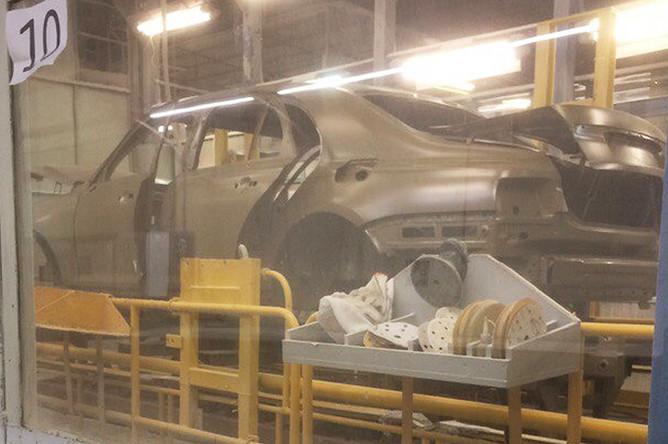 Кузов седана из проекта «Кортеж» на конвейере