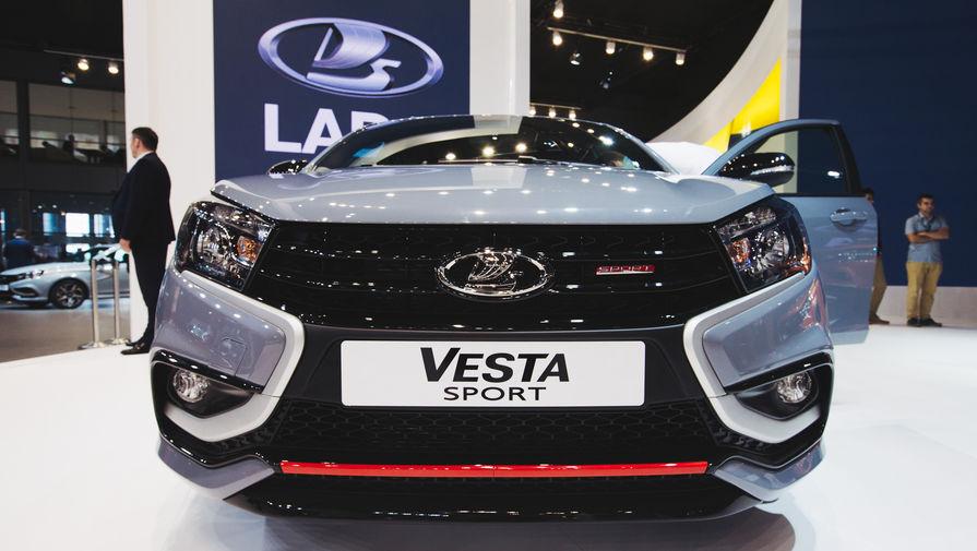 Автомобиль LADA Vesta Sport на Московском международном автосалоне, 29 августа 2018 года