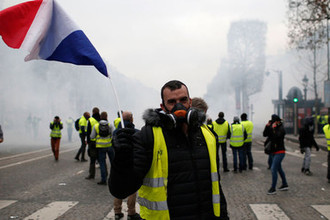 Протесты «желтых жилетов» против повышения цен на топливо, Париж, Франция, 8 декабря 2018 года