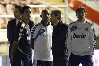 Защитник «Реала» Альваро Арбелоа и тренер Аилтор Каранка в полумраке