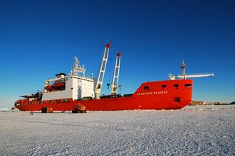 Научно-экспедиционное судно «Академик Федоров»