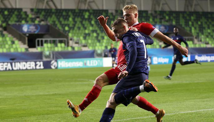 Павел Маслов в матче молодежных сборных России и Франции