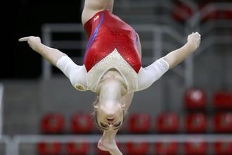 Российская гимнастка Мария Пасека борется за медали в соревнованиях в опорном прыжке на Олимпиаде-2016