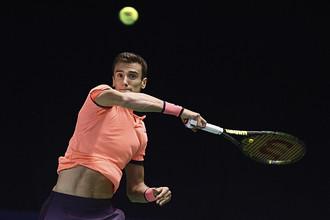 Российский теннисист Андрей Кузнецов, занимающий 85 позицию в рейтинге ATP, играет против первой ракетки мира британца Энди Маррея