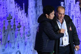 Натан Чен (США) и его тренер Рафаэль Арутюнян