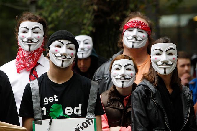 Участники акции «Марш миллиона масок» в городе Портленд, США