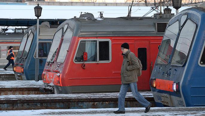 В Москве на Павелецком направлении железной дороги поезд сбил двух людей