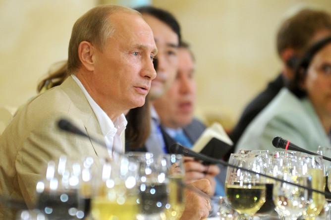 Премьер-министр РФ провел встречу с участниками клуба «Валдай»