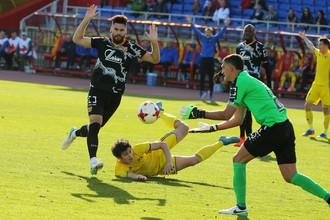 Вратарь тульского «Арсенала» Владимир Габулов в матче против «Ростова» несколько раз спасал партнеров от неминуемого, казалось, гола