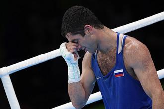 Российский боксер Миша Алоян после финального поединка в боксе на Олимпиаде-2016 в Рио-де-Жанейро, в котором он проиграл