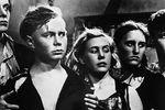 Кадр изкинофильма «Молодая гвардия», 1948 год