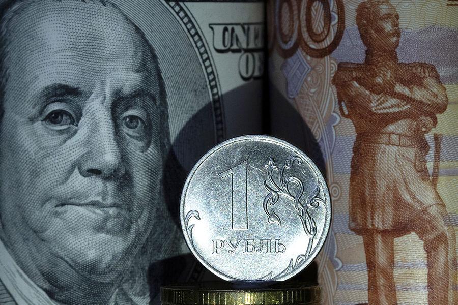 Россиянам рассказали, РєРѕРіРґР° выгодно менять доллары РЅР°СЂСѓР±Р»Рё
