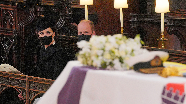 2021 год уже успел принести утрату королевской семье: 9 апреля в возрасте 99 лет скончался дед принца Уильяма герцог Эдинбургский Филипп