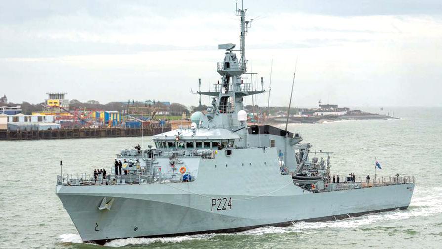 Читатели британской газеты высмеяли присутствие корабля ВМФ Британии в Черном море