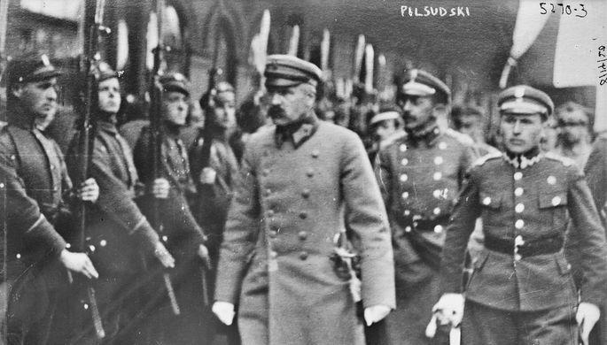 Юзеф Пилсудский и польские военнослужащие в Минске, 1919 год