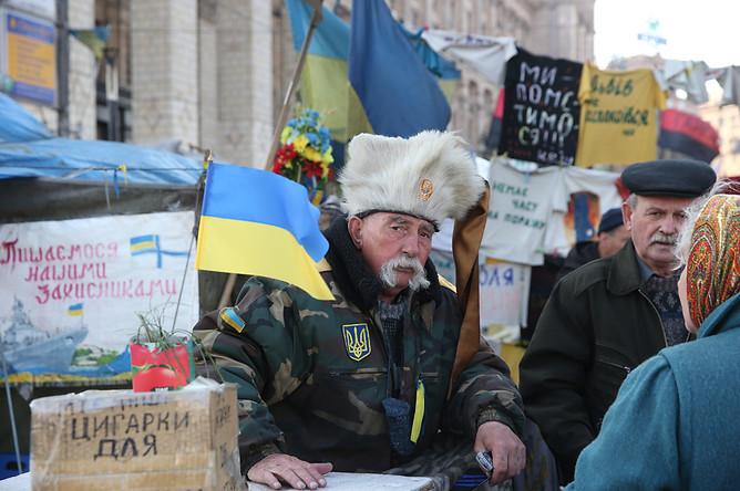 Сбор пожертвований на площади Независимости в Киеве