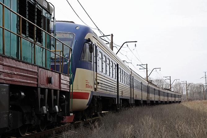 Первый пассажирский электропоезд, следующий в Луганск со станции Ясиноватая в Донецкой народной республике