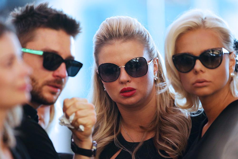 Певцы Сергей Лазарев, Анна Семенович и Ксения Новикова на церемонии прощания с Жанной Фриске. Фото: ТАСС
