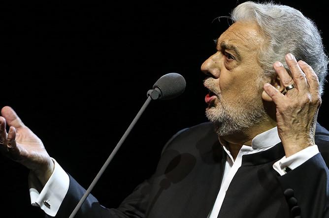 Пласидо Доминго во время выступления в концертном зале «Крокус Сити Холл»