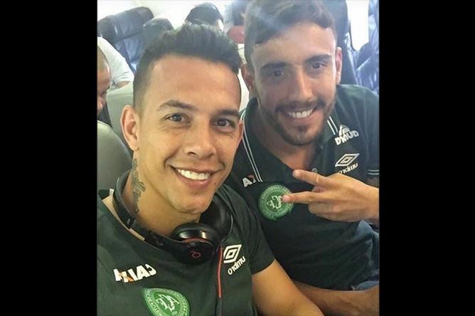 Последние фото игроков бразильского футбольного клуба «Шапекоэнсе», сделанное на борту разбившегося в Колумбии самолета