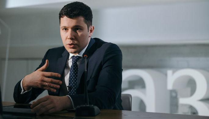 Антон Алиханов/Ричард Хукер