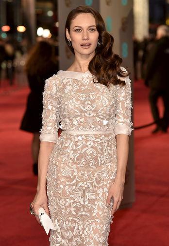 Ольга Куриленко блистала на церемонии BAFTA в белоснежном наряде от Ralph & Russo