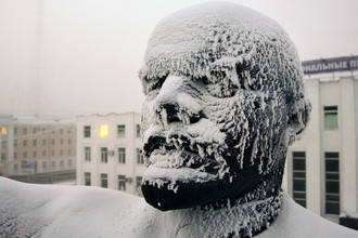 Памятник Ленину в Якутске, Россия, 2009 год