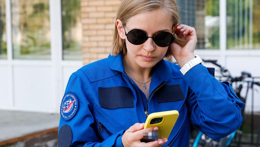 Актриса Юлия Пересильд на территории Центра подготовки космонавтов им. Ю.А. Гагарина, 26 мая 2021 года