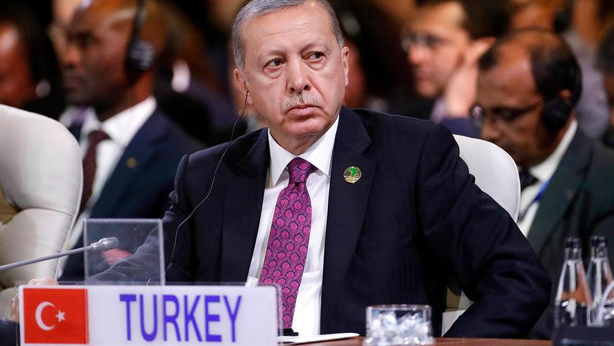 Эрдоган обвинил США в грабеже на $1,4 млрд