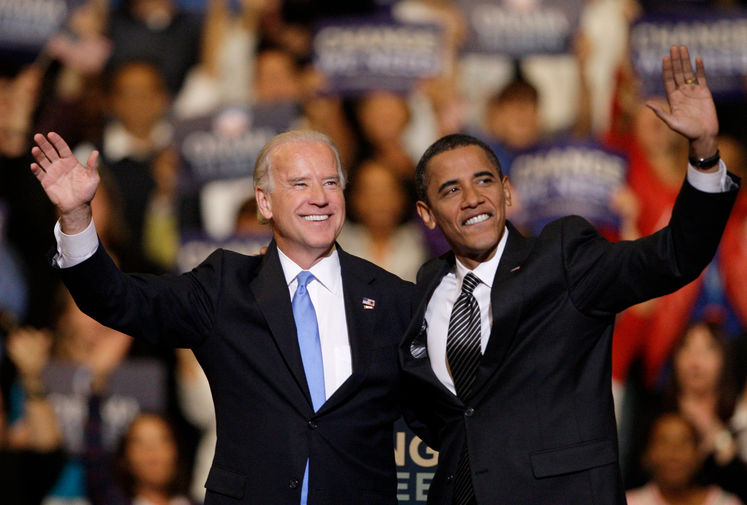 Кандидаты на пост вице-президента и президента США Джо Байден и Барак Обама во время мероприятия кампании во Флориде, 2008 год