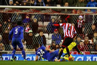 Ки Сун Юн забивает победный мяч в ворота «Челси»