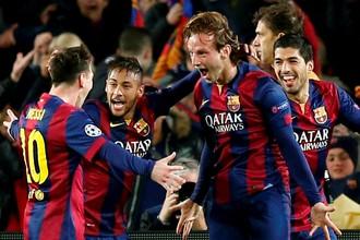 Иван Ракитич (второй справа) принес «Барселоне» победу над «Манчестер Сити»
