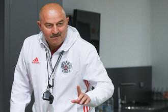 Главный тренер сборной России по футболу Станислав Черчесов на пресс-конференции перед товарищеским матчем с командой Венгрии