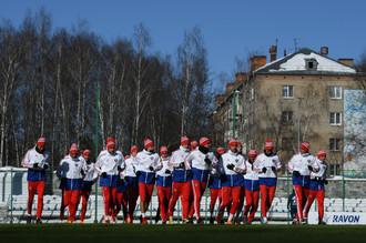 Игроки сборной России на тренировке перед товарищескими матчами против сборных Франции и Бразилии.