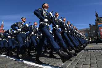 Парадный расчет Воздушно-космических сил на военном параде, посвященном 73-й годовщине Победы в Великой Отечественной войне