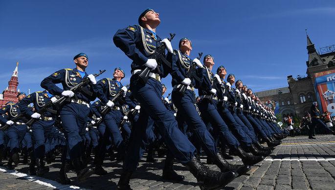 Парадный расчет Воздушно-космических сил на военном параде, посвященном 73-й годовщине Победы в...