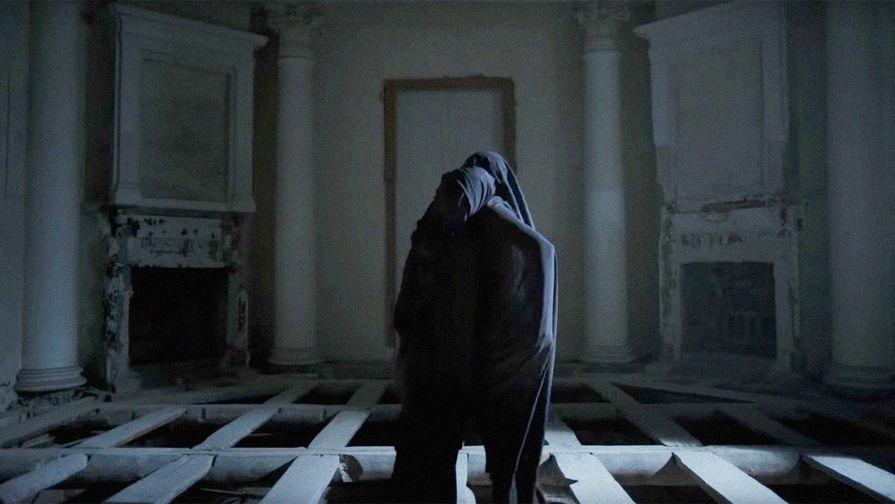 Кадр из клипа Найка Борзова «Про дурачка» на музыку и слова Егора Летова